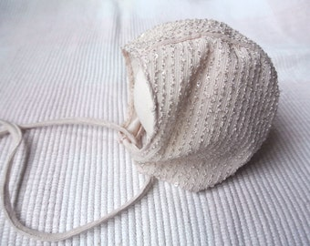 Newborn bonnet photo prop