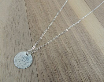 Sterling silver hammered circle pendant necklace