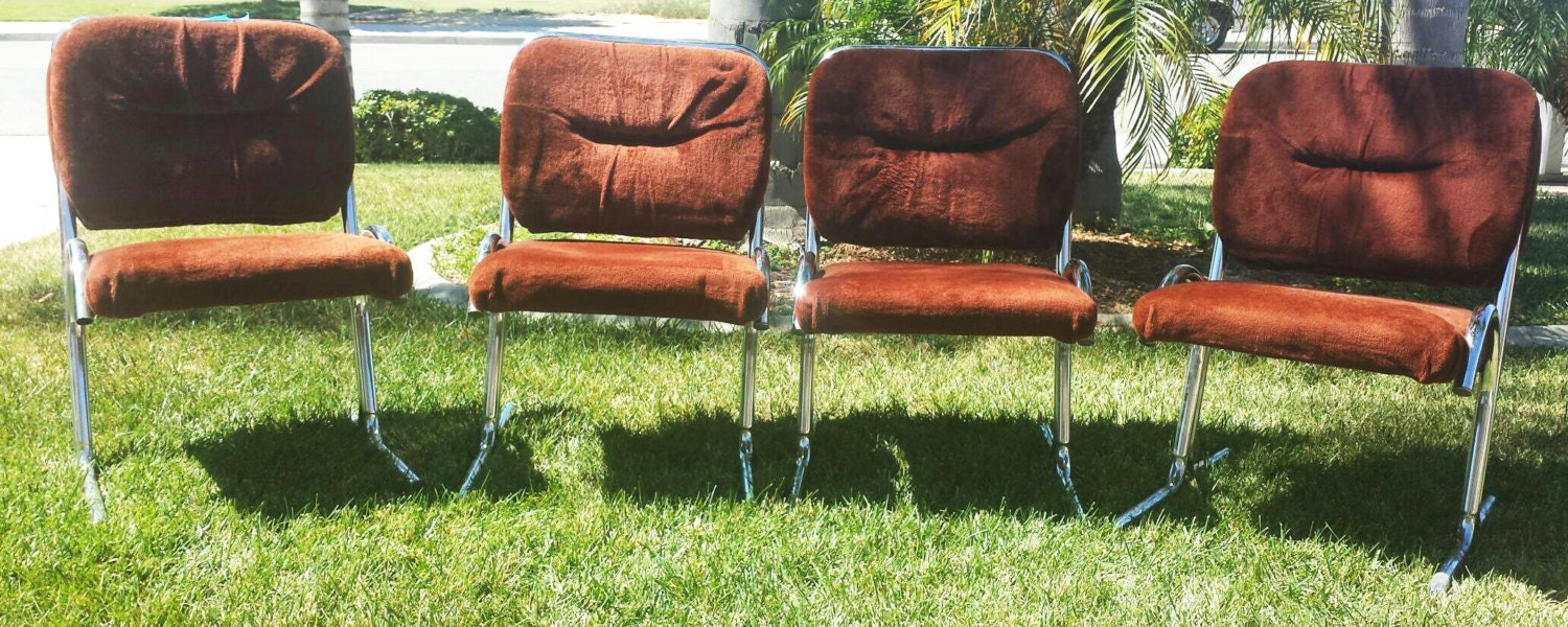 Four 4 tubular chrome and velvet dining chairs vintage 70s for Vintage 70s chair