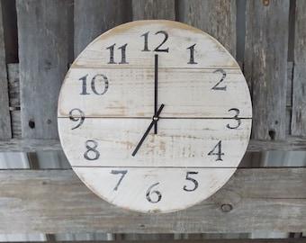 White Round Pallet Clock, Rustic Wood Clock, Primitive Wall Clock, Round Wood Clock, Farmhouse Clock, Old Pallet Clock, Farmhouse Decor