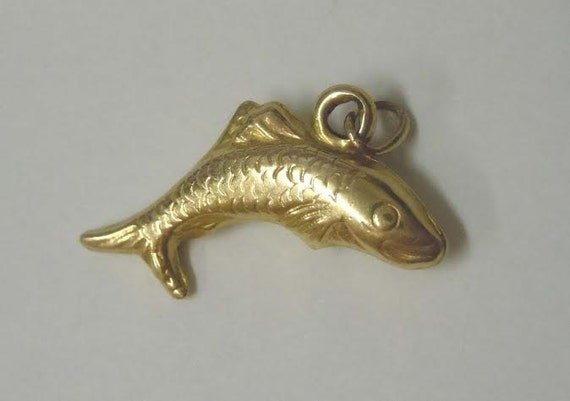 Vintage 14kt gold fish 14k 1980s pendant charm for Gold fish charm