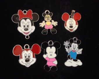 Customised Mickey/Minnie Mouse Necklace