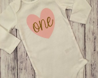 Pink and Gold First Birthday Bodysuit // Pink and Gold Bodysuit With Heart // Baby Girl Birthday Bodysuit // Pink and Gold Bodysuit