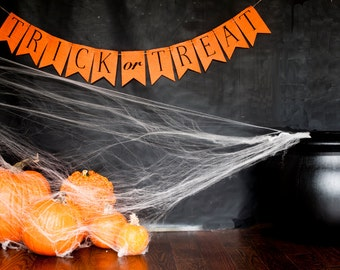 Trick or Treat Banner, Trick or Treat Burlap Banner, Halloween Banner, Halloween Burlap Banner, B174