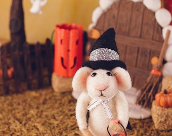 Wanda the Trick or Treat Mouse - Needle Felted Mouse for Halloween