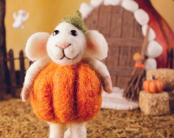Peter the Pumpkin Patch Mouse - Needle Felted Mouse Dressed as Pumpkin