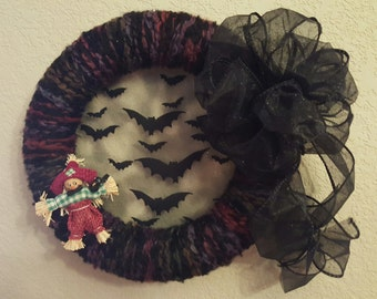 """10"""" Halloween Yarn Wreath"""