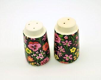 Vintage Multi-Floral Ceramic Salt and Pepper Shakers / Roses Salt and Pepper Shakers / Giftcraft C-7681 Japan Salt and Pepper Shaker