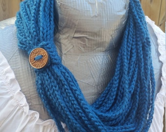 womans chain scarf, womans summer accessorie, womans summer scarf, crochet infinity scarf, chain scarf, spring crochet scarf, fall scarf