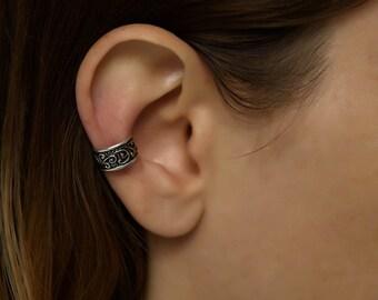 Silver ear cuff. bohemian ear cuff. non-pierced ear cuff