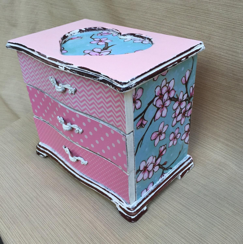 Cottage chic decor shabby chic jewelry box vintage jewelry for Cottage jewelry evanston review