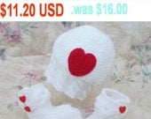sale -30%, baby hat and booties, Heart, 3-6 Months, white hat, knitted socks, baby girl outfit, clothing holiday, gift, heart button