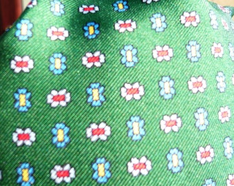 1960's Green Silk Patterned Cravat