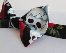 SALE! Skulls & Roses Halloween Bow Tie. Handmade by Biscuit Couture. Halloween. Day of the Dead. Love. Life. Death. Alternative. Punk. Goth.