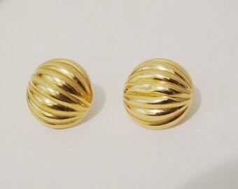 Vintage 14k Hollow Slightly Damage Earrings.