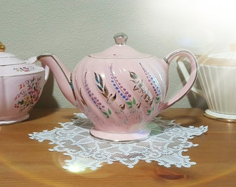 Sadler PINK Teapot in swirl shape with platinum trim