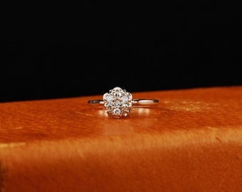 14K White Gold Cluster Diamond ring