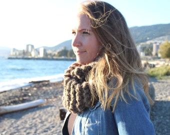 KNIT / Infinity Scarf / Cowl / Circle Scarf / Knit Scarf / Outlander Style