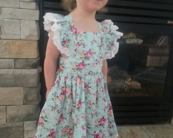 Beautiful handmade boutique style dress! Perfect for Easter! Sizes 6 month to 6x.