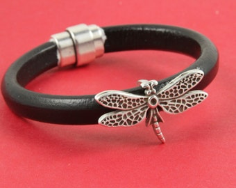 R/7 MADE in EUROPE zamak dragonfly slider, dragonfly slider for licorice cord, dragonfly bead for bracelet, thick cord bead (93296) Qty1