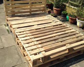 Custom Handmade Rustic Wooden Pallet Bed - king size bed
