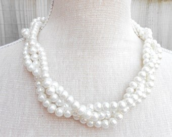 Ivory pearl necklace great for wedding, bridesmaid, bridal, birthday gift, anniversary, Valentine, Mothers day and more other occasion