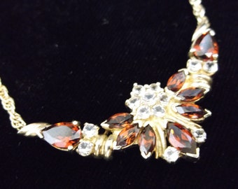 Pretty Rhinestone Necklace