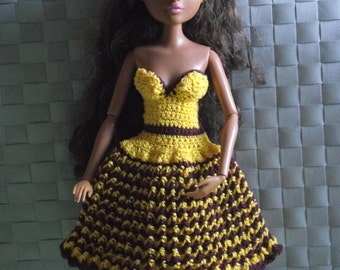 Hand knitted yellow dress for Moxie Teenz Dolls