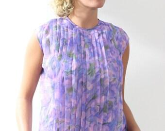 Purple vintage top.Size M/L