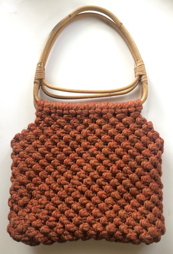 Crochet Bag Wooden Handle Pattern : 70s Hobo Wood Handle Crochet Bag