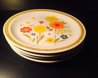 Vintage Stoneware Fiesta Plates, set of four, 7 1/2 inch, Mid Century Floral Motif