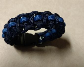 Cobra Weave Paracord  Bracelet With Accent Line