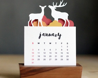 2017 Minimalist Paper Cut Desk Calendar with Solid Wood Stand \ Deer
