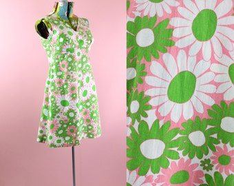 60s size S flower power gogo mini dress in bright green and hot pink