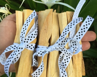 One 1oz Bundle Of Palo Santo Sticks (3 to 4 sticks per bundle)