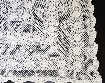 Ivory (Ecru) Hand Crocheted Tablecloth or Table Center, Vintage Tablecloth, Vintage Wedding