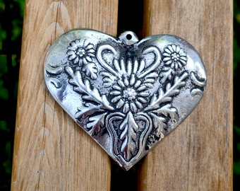Heart Shape Ornaments// Set of 5 Heart Shape Ornaments // Pewter Decorations