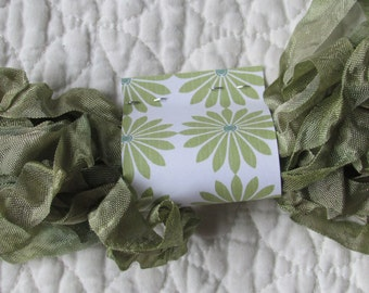 PRIMITIVE GRUNGY RIBBON - Mossy Green
