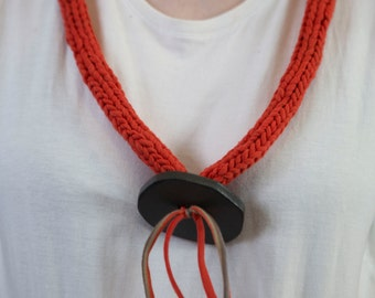 T Rope necklace