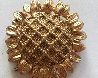 Vintage Goldtone Simple Sunflower Pin Brooch