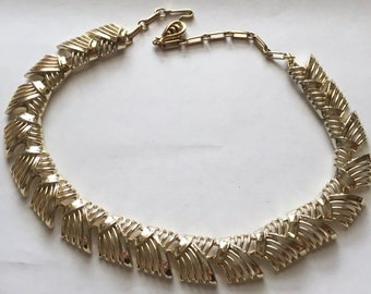 Vintage Goldtone Woven Look Link Necklace Signed Coro
