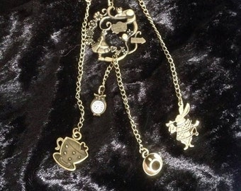 steampunk Alice in wonderland theme pin brooch