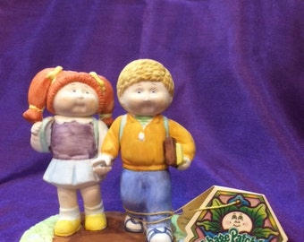 """Cabbage Patch Kids Porcelain Figurine 1985 """"School Sweethearts"""""""