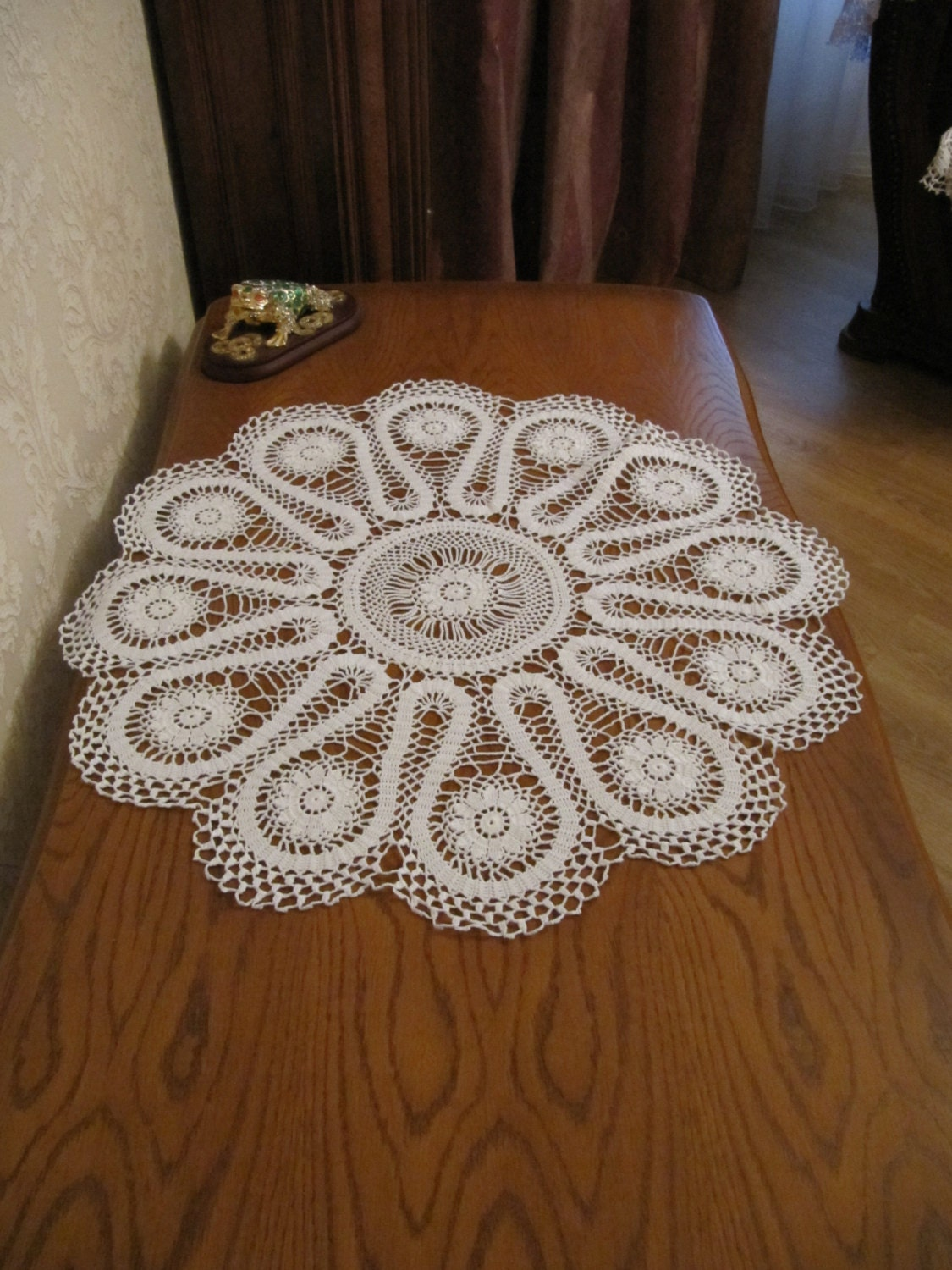 white crochet napkin crochet table doily handcrafted home. Black Bedroom Furniture Sets. Home Design Ideas