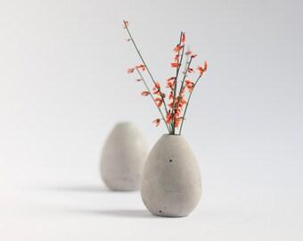 Mini vase made of concrete