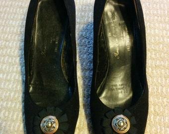 1960s Black Suede Glideline Women's Heeled Shoes Size 6C/36.5 Australian Made Elegant Art Deco Button Ribbon Rosette Detail