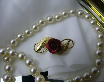 Classic Vintage Gold Tone Red Enamel Rose Brooch Pin