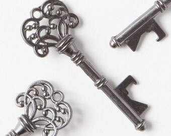 50 Key Bottle Openers, Vintage Skeleton Keys, Wedding Decorations & Party Favors, Charcoal Gray Keys, Steampunk Alice in Wonderland Theme
