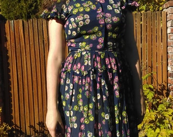 1940s navy chicken and floral novelty print dress // small