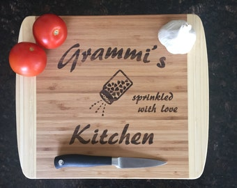 Gift for Grandma, Grandma's Kitchen, Grandma Gift, Personalized Name, Cutting Board 'Grammi' Style